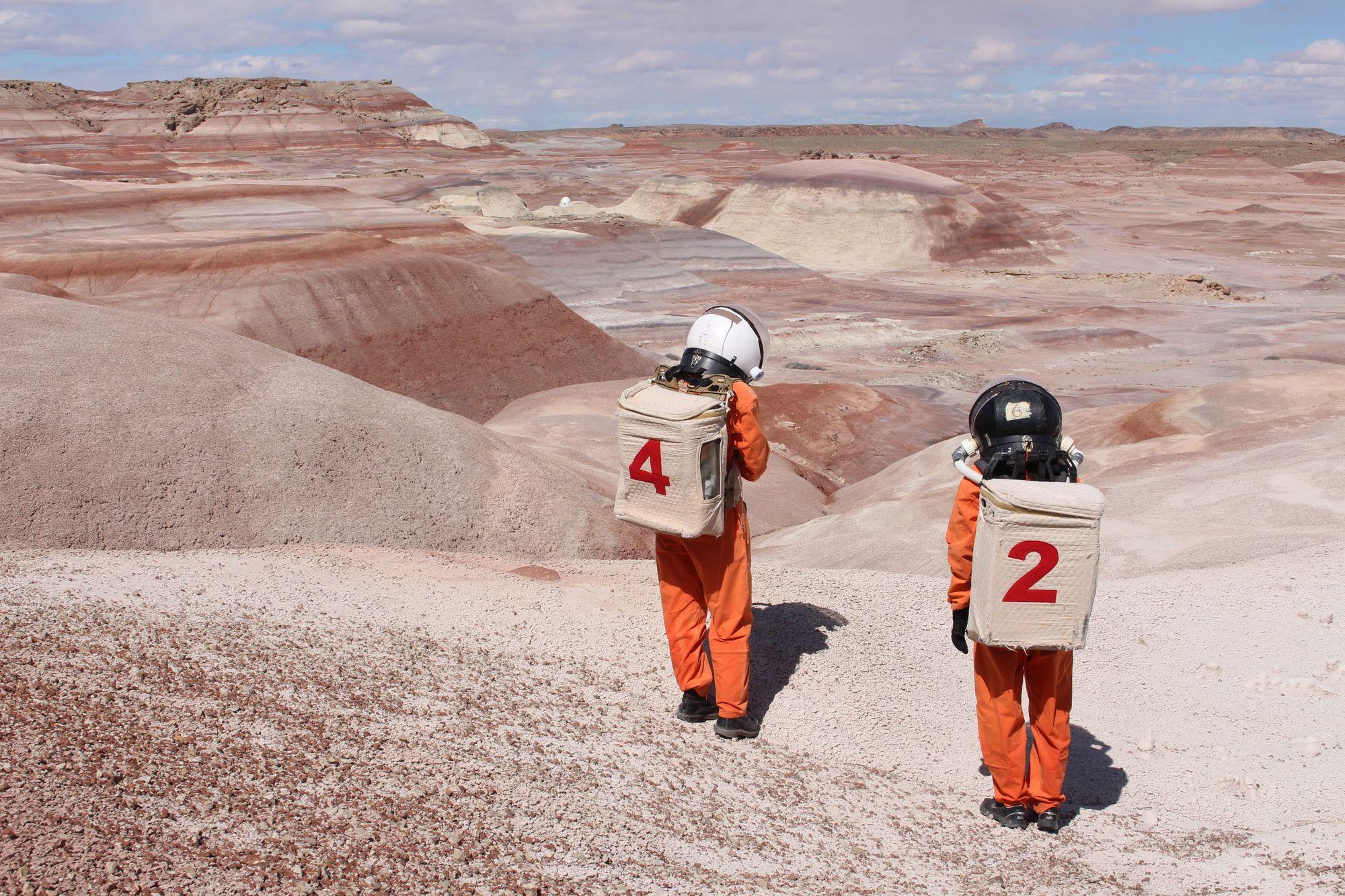 04 Artists Ella Good and Nicki Kent in astronaut suits at the Mars Desert Research Station  Utah   Satori Photos.